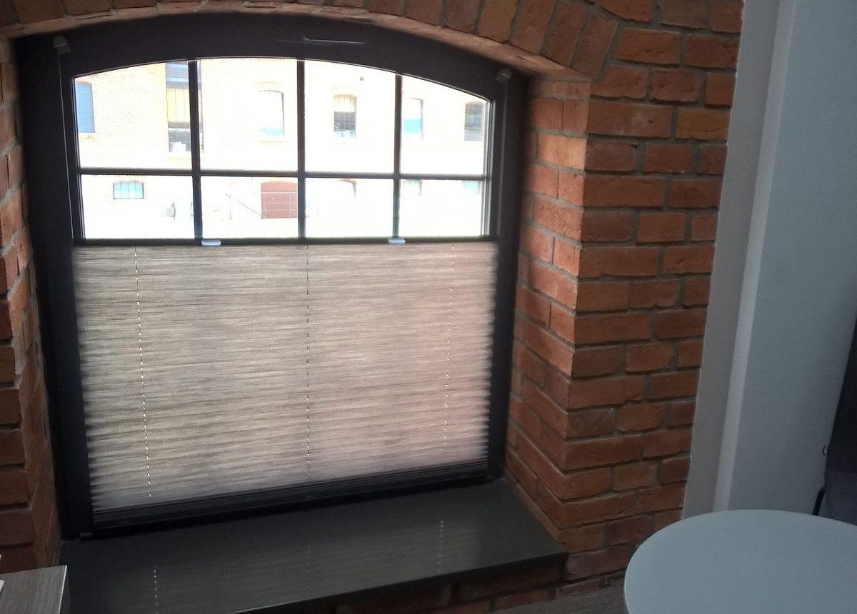 plisy gorzów, rolety plisowane, rolety od dołu, rolety do okien skońsnych, rolety do nietypowych okien, rolety do okrągłych okien, roleta do okrągłego okna